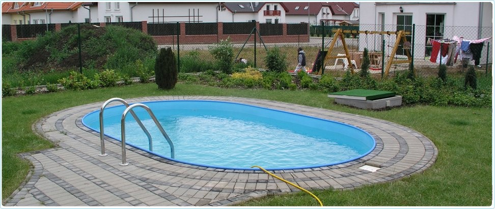 Plastic swimming pools for Plastic garden pool